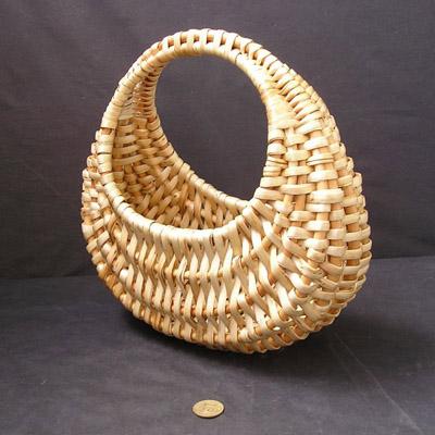 Трёхобручевая лучковая корзина, плетёная лентой
